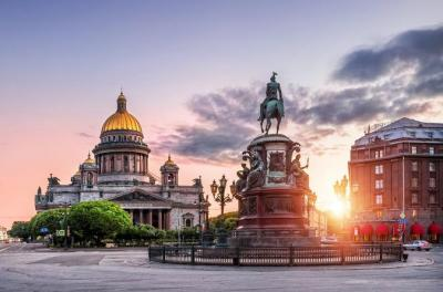 2-Day Group Shore Excursion in St Petersburg with Faberge Museum & Boat Cruise