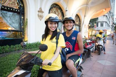Half-Day Ho Chi Minh City Tour on Motorbike Including Saigon Street Food