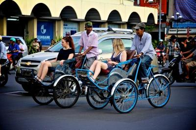 Full-Day Saigon City Tour Including Cyclo Ride