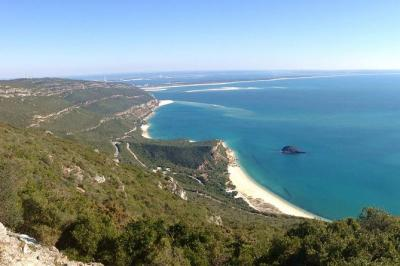 Arrabida and Sesimbra Small-Group Day Trip from Lisbon with Wine Tasting