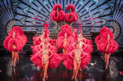 Viator VIP: Moulin Rouge Show with Exclusive VIP Seating and 4-Course Dinner